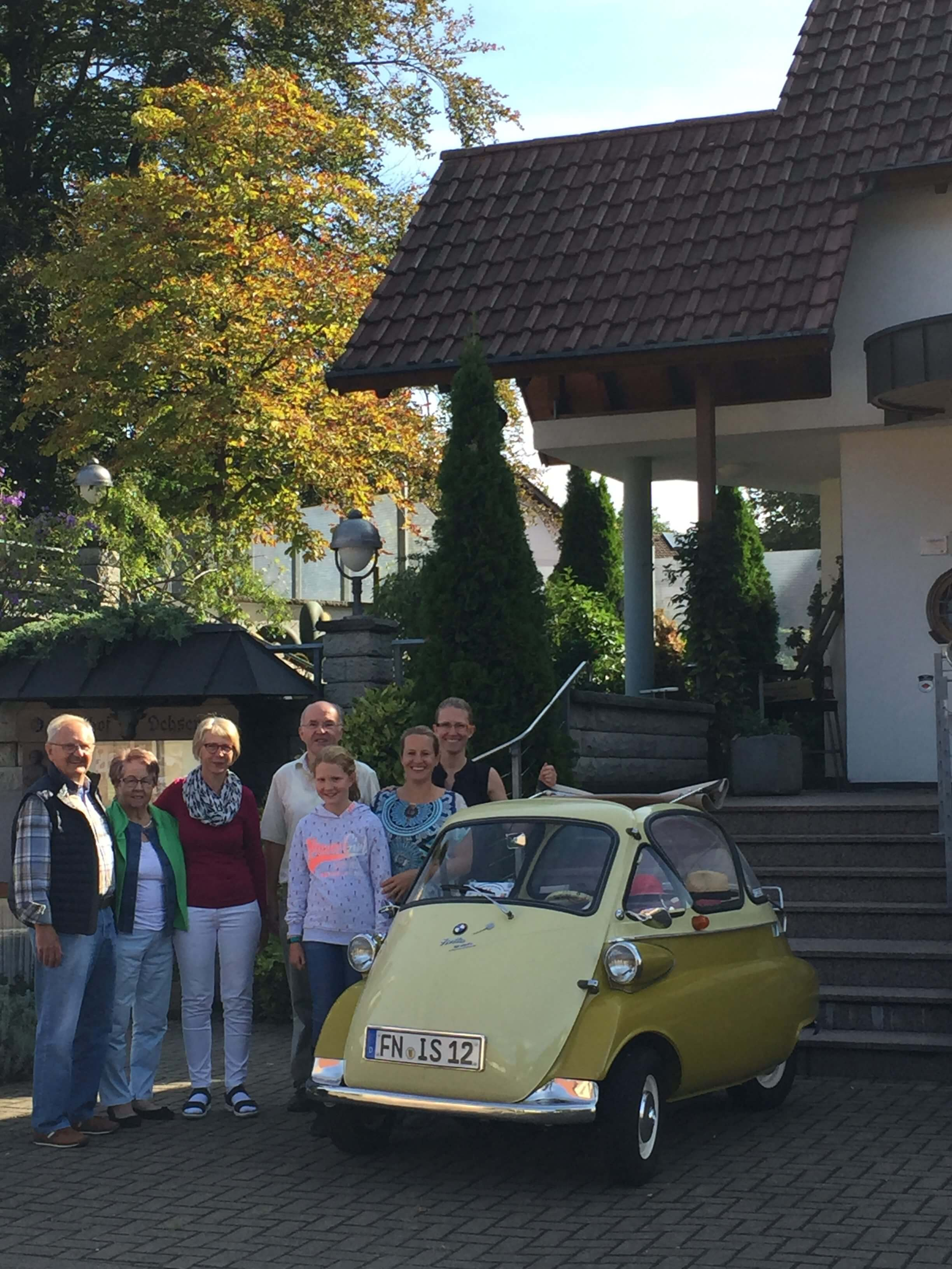 gruppenbild-familie-schwarzwald-hotel-pension schmieders ochsen